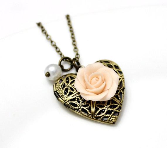 Hochzeit - Rose Heart locket necklace, Gold Rose, Locket Wedding Bride, Bridesmaid Necklace, Birthday Gift, Rose Photo Locket