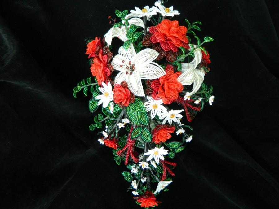 Mariage - Custom Made to Order French Beaded Flower Bridal Bouquets