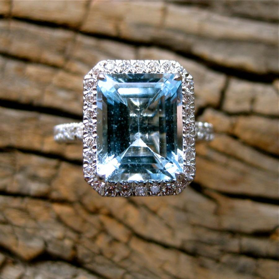 Hochzeit - Sky Blue Aquamarine Engagement Ring in Platinum with Diamonds in Halo-Style Setting Size 6