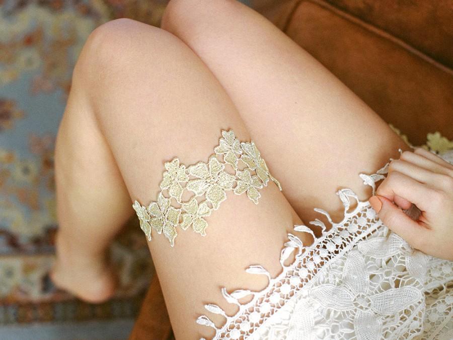Hochzeit - Gold wedding garter, Lace garter, golden garter, wedding garter belt  - style #479