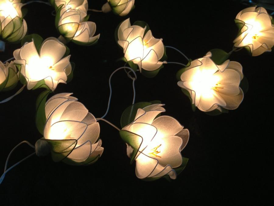 Mariage - White Lotus with leaf string lights for Patio,Wedding,Party and Decoration (20 bulbs)