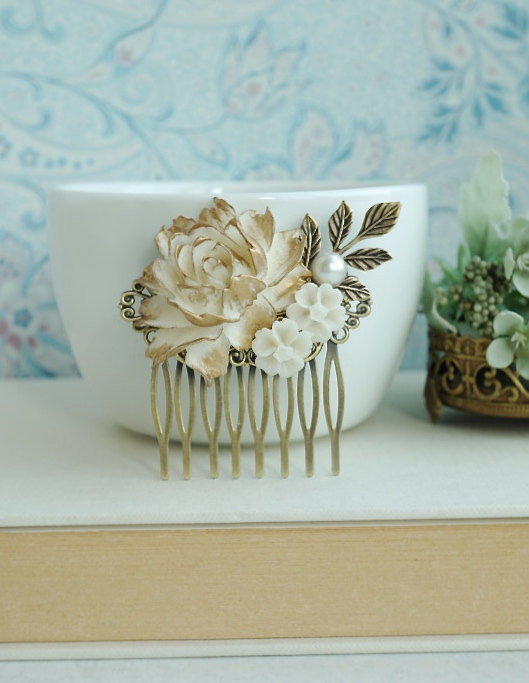 Mariage - Antique Gold Rose Comb, Gold Ivory Shade Rose Flower Comb, Rose Leaf Wedding Comb Bridal Hair, Vintage Rustic Gold Wedding Bridesmaids Gifts