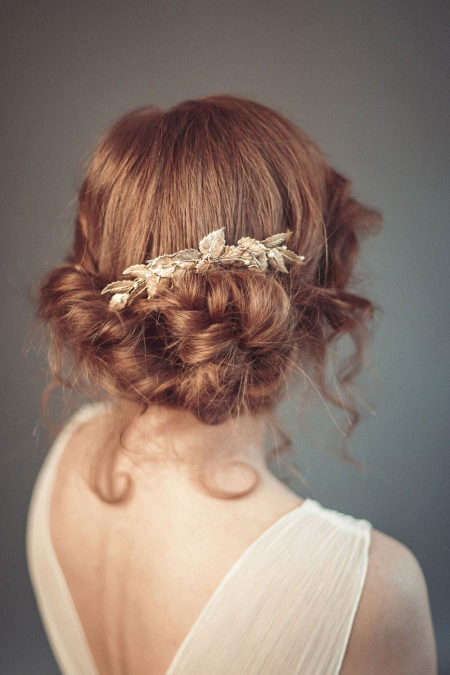 Mariage - Bridal hair comb, Gold wedding headpiece, Gold leaf hair comb, Wedding decorative comb, Hair jewelry