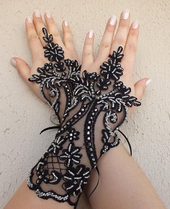 Hochzeit - Free ship, black or ivory, silver beads embrodeired Wedding gloves french lace gloves bridal gloves lace gloves fingerless gloves