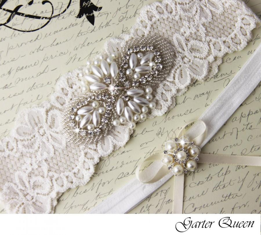 Hochzeit - Ivory Lace Bridal garter Set, Lace Wedding Garter Set, Ivory Bridal Garter, Ivory Wedding Garter, Personalized Garter, Pearl Garter