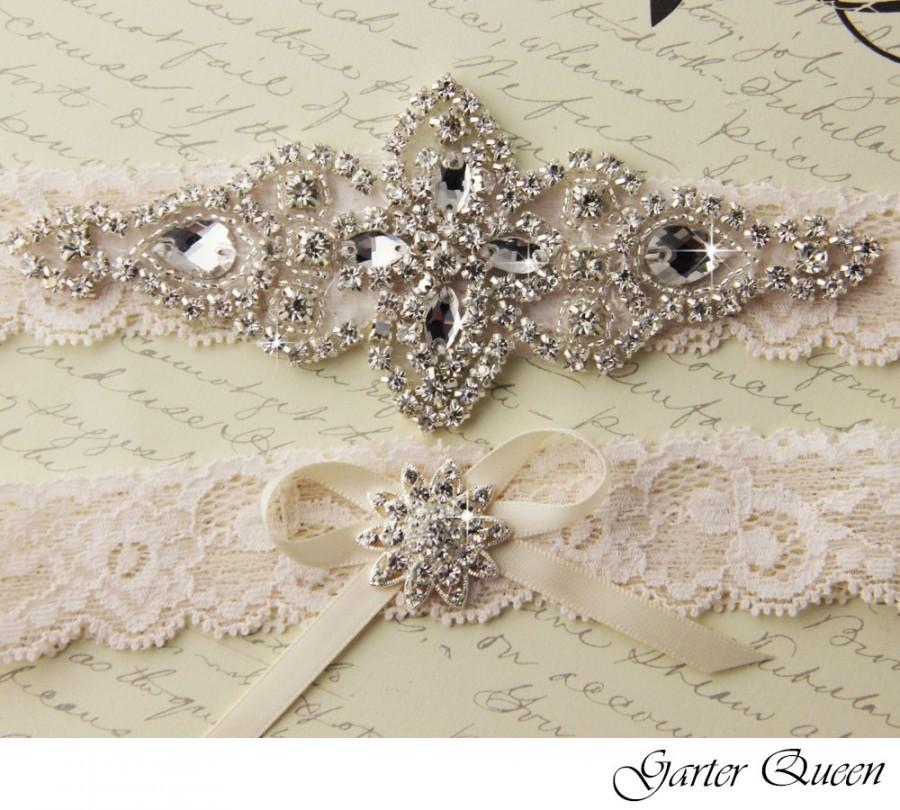 Hochzeit - Ivory Lace Bridal garter Set, Lace Wedding Garter Set, Ivory Bridal Garter, Ivory Wedding Garter, Personalized Garter, Rhinestone  Garter