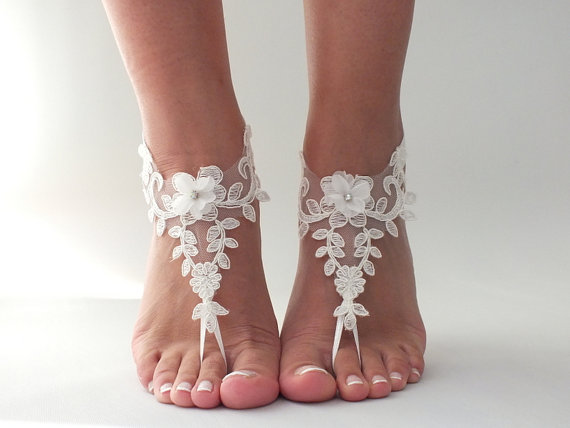 Mariage - Beach wedding barefoot sandals FREE SHIP embroidered sandals, ivory Barefoot , french lace sandals, wedding anklet,