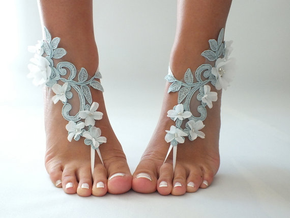 Mariage - Free Ship blue ivory floral sandals country wedding beach wedding barefoot sandals floral bridesmaid gift unique foot accessory