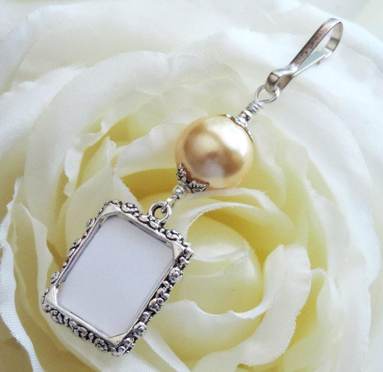 wedding bouquet photo charm gold pearl small picture frame charm bouquet charm daughter gift bridal shower gift wedding keepsake