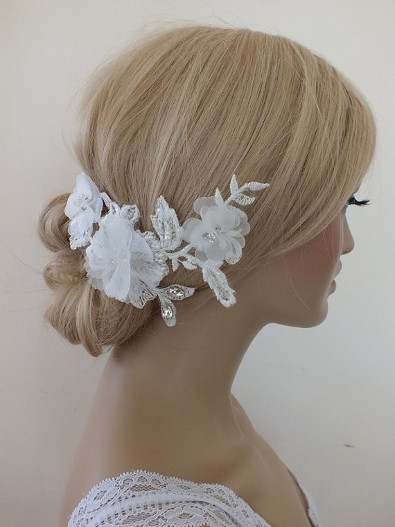Свадьба - Bridal lace floral headpiece ivory lace Hairpiece Ivory Beaded lace floral wedding hair piece bride hair comb