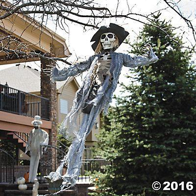 Mariage - Hanging Scarecrow