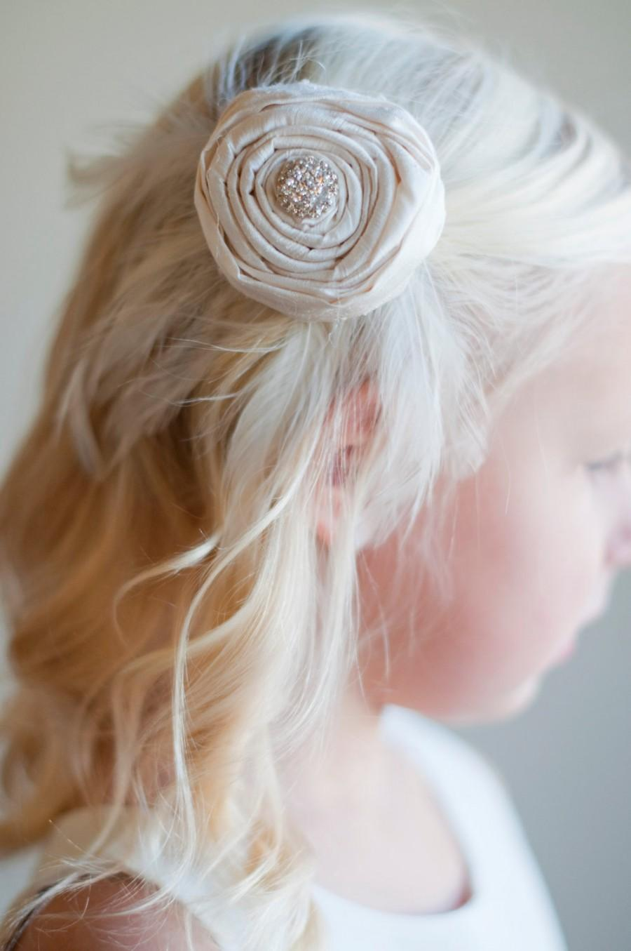 Mariage - Flower girl hair clip with rhinestone detail in ivory, white, pink and all silk colours
