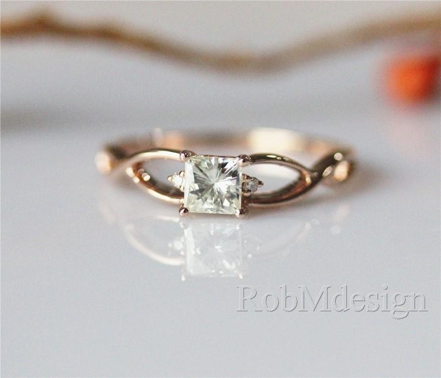 Mariage - 14K Rose Gold Engagement Ring VS Princess Cut 4.5mm Moissanite Engagement Ring Gemstone Ring Moissanite Ring Special Plain Ring Band