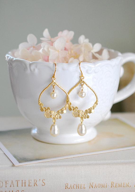 Mariage - Gold Bridal Earrings, Swarovski Teardrop Cream White Pearl Wedding Earrings, Statement Chandelier Earrings, Bridesmaid Earrings