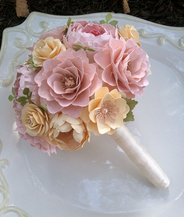 Mariage - Paper Flower Bouquet - Paper Flowers - Wedding Bouquet - Toss Bouquet - Pink and Ivory - Custom Made - Any Color
