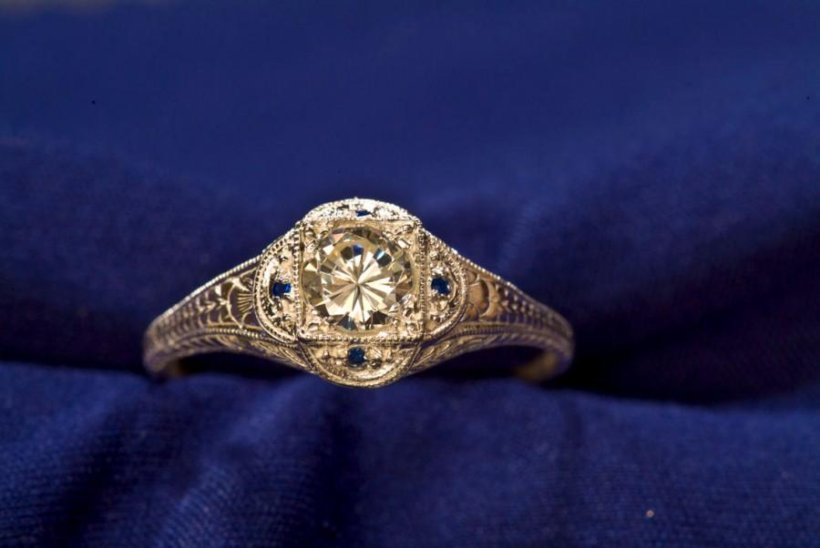 Mariage - 14kt Gold White & Blue Sapphire Antique Art Deco Ring, Unique Engagement Ring, Sapphire Ring, Birthstone Ring