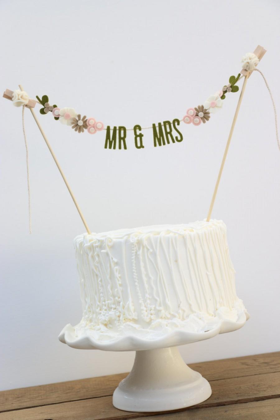 Свадьба - BRIDES MAGAZINE 2016 - Wedding Cake Banner - Wedding Cake Topper - Mr and Mrs Cake Banner - Wedding Cake Topper: Olive and Light Pink