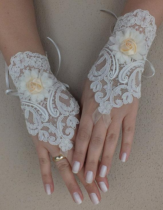 Wedding - Free ship, Ivory lace Wedding gloves, floral lace bridal gloves, fingerless lace gloves,handmade