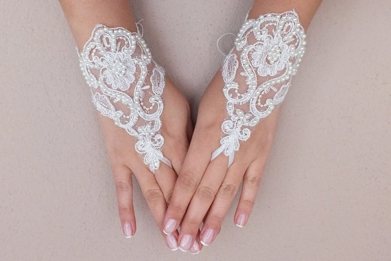 Mariage - Free ship, Ivory lace Wedding gloves, pearl beads embroidered bridal gloves, fingerless lace gloves,handmade