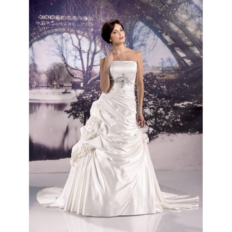 miss paris 133 20 ivoire superbes robes de mari e pas. Black Bedroom Furniture Sets. Home Design Ideas