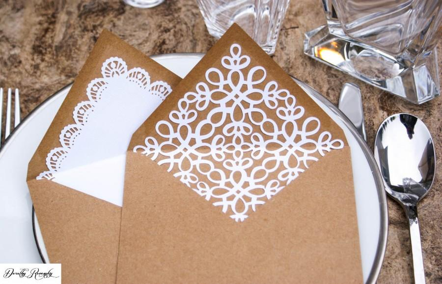 Mariage - Kraft Envelopes with White Doily and Leaves Liners, Wedding Doily Envelope Inserts,Wedding Doily Invitation, Rustic Vintage Kraft Envelopes
