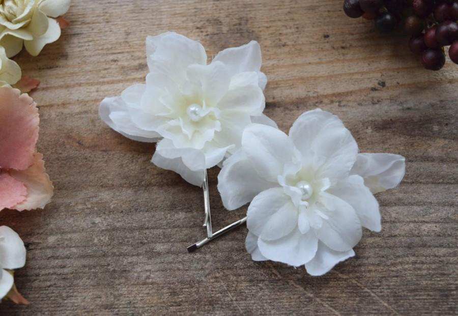 Mariage - White Flower Hair Clips, bridal bobby pin set, floral pearl pins, wedding accessories, white floral pins