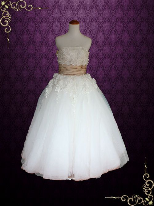 Retro vintage style tea length strapless tulle wedding for Vintage t length wedding dresses