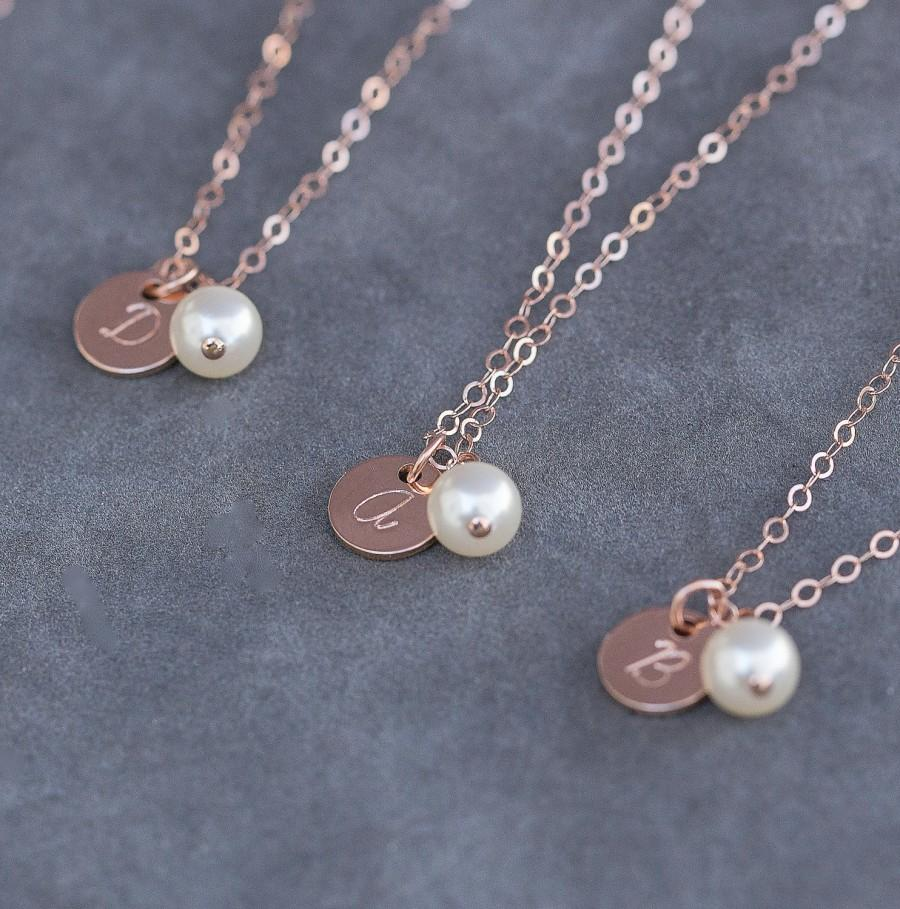Свадьба - Rose Gold Initial Necklace, Set of 4 Bridesmaid Gifts, Personalized Jewelry, Pearl & Rose Gold Cursive Letter Necklace, Handstamped Jewelry