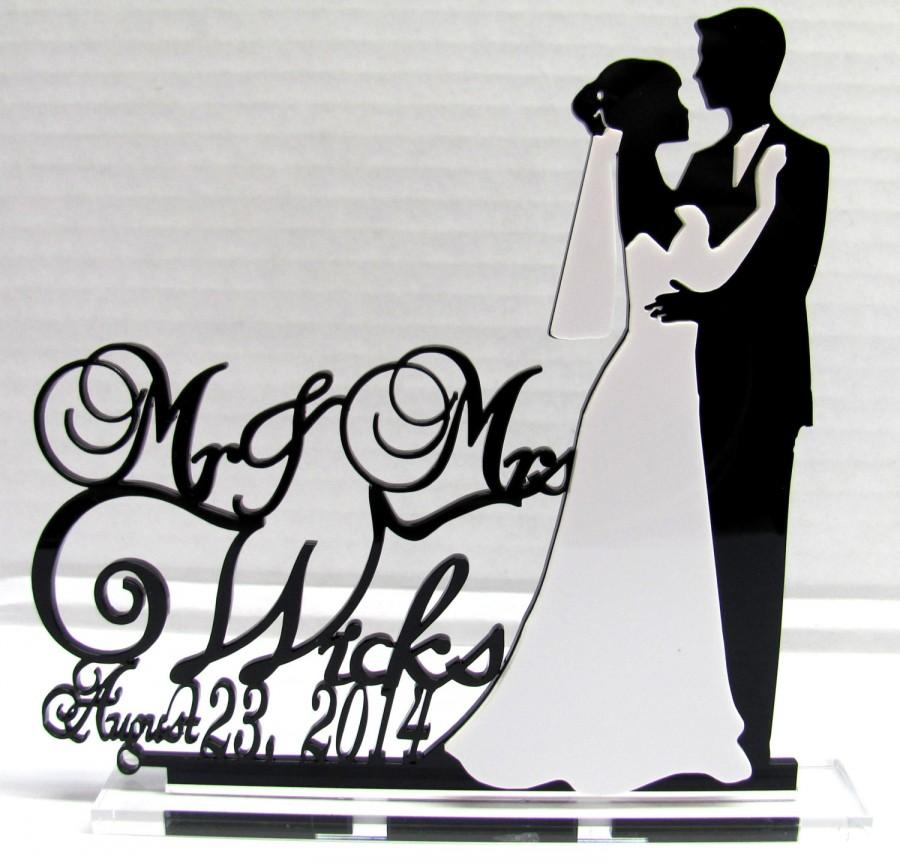 Hochzeit - Customized Wedding Cake Topper Monogram Silhouette Personalized With Your Last Name, choice of colors and a FREE base for display