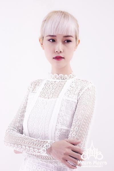 زفاف - White midi lace dress from Meera Meera