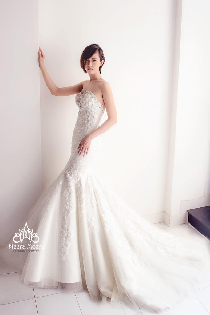Свадьба - Sweetheart Trumpet lace Wedding Dress with crystal Beaded details from Meera Meera
