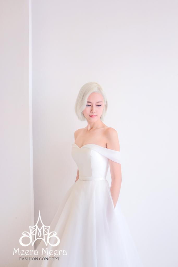Düğün - Simple elegant off the shoulder organza wedding dress from Meera Meera