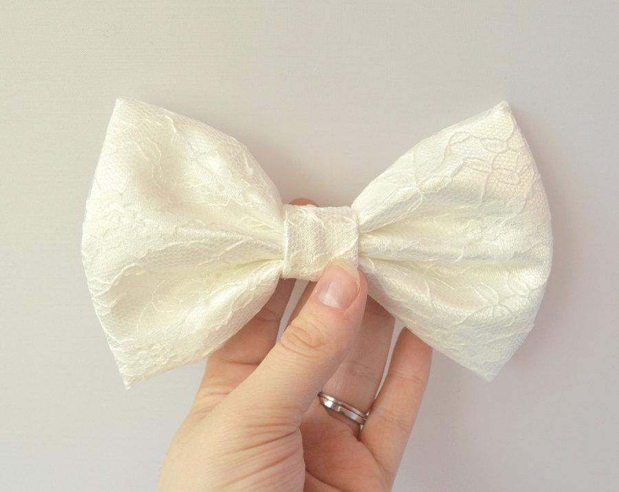 Свадьба - Ivory Hair Bow, Lace Hair Bow, Wedding Hair Bow, Bridesmaid Hair Bow, Bridal Bow, Flower Girl Bow, Lolita Bow, Bridal Hair Acessories