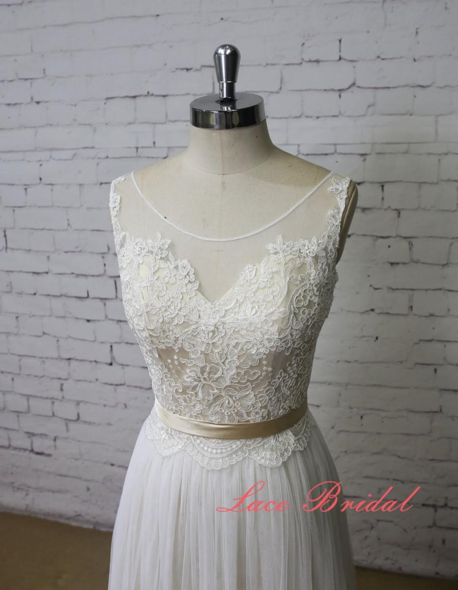 Mariage - Champagne Underlay Wedding Dress Bateau Neck Wedding Dress V-Back Wedding Gown Ivory Lace A-line Bridal Gown Tulle Skirt Wedding Dress
