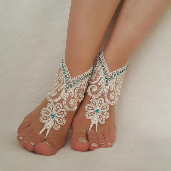 Hochzeit - ivory beach wedding barefoot sandals bangle bride accessories free ship bridesmaid gift anklet handmade bellydance bridal jewelry shoes