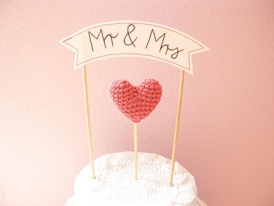 Свадьба - Mr and Mrs Cake Topper with Wedding Cake Banner Sign