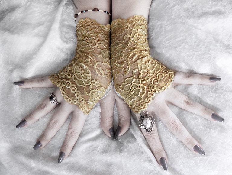 Mariage - Eiryn Lace Fingerless Gloves - Gold Mustard Yellow Floral Fishnet - Victorian Wedding Gothic Vampire Fetish Belly Dance Goth Bohemian Bridal