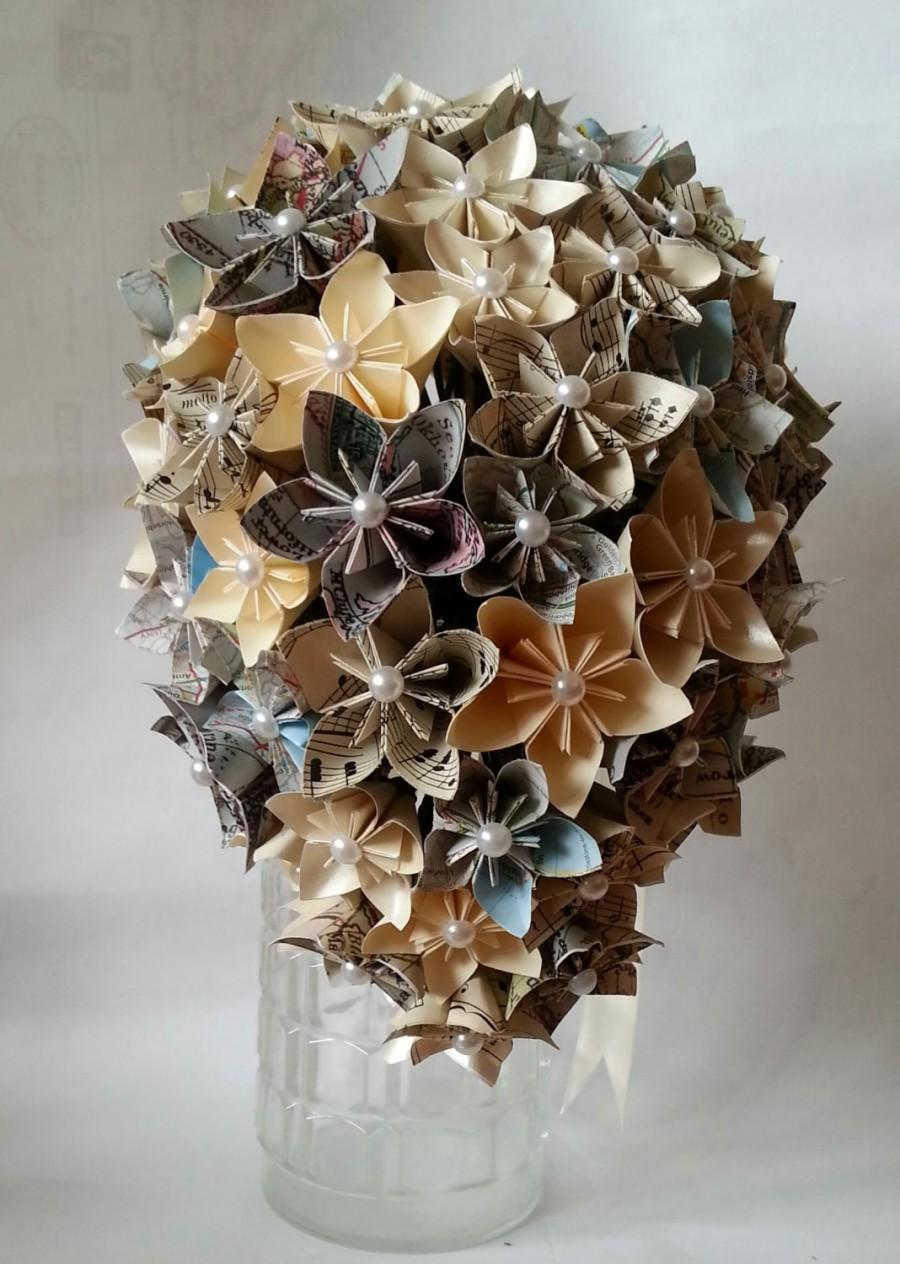 Mariage - Paper Flower Origami Paper Bouquet Wedding Vintage Maps Music Sheet Pearl Cream Cascade Tear Drop Waterfall Kusudama