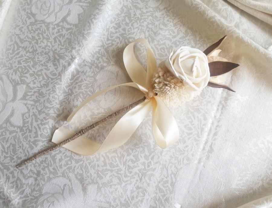 Mariage - Flowergirl wand cream rustic wedding Ivory Flowers, linen cord handle, Flower girl, Bridesmaids, sola roses vintage wedding brown custom