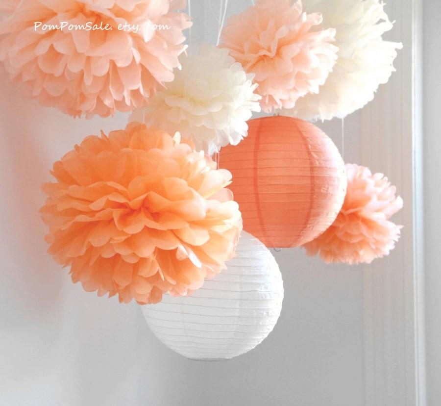 Mariage - Fall in Love - 6 Tissue Paper Pom Poms plus 2 Paper Lantern - Fast Shipping - Wedding / Baby Shower / Birthday Party / Nursery Decor