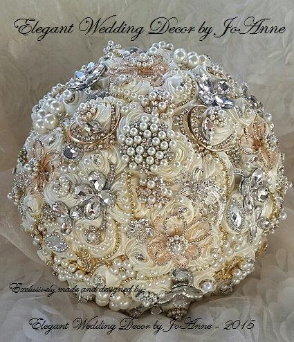 Mariage - GATSBY BROOCH BOUQUET, Deposit for a Gold Silver and Ivory Jeweled Wedding Bouquet, Brooch Bouquet,  Ivory Bridal Brooch Bouquet, Bouquet