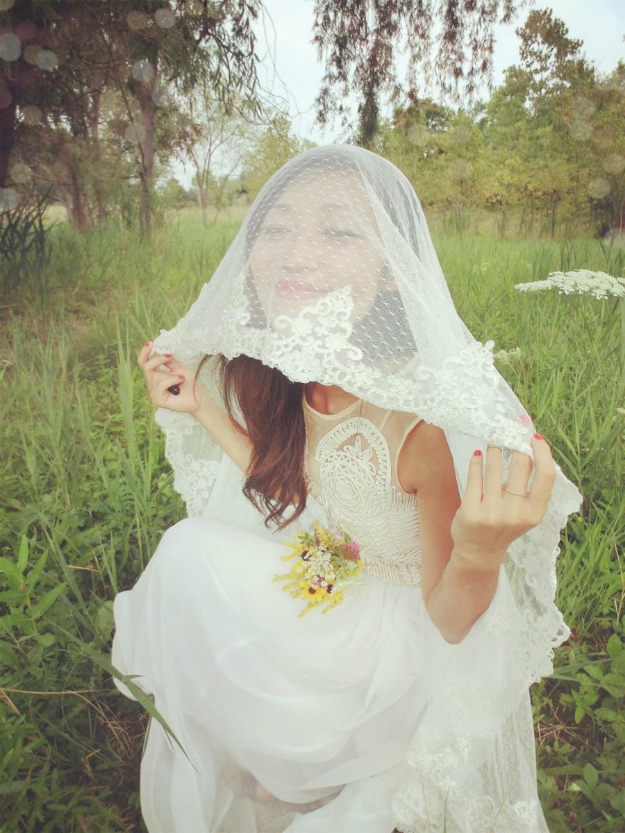 Mariage - Wedding veil, Dotted Point d' Esprit  Veil, Bridal Veil, Swiss Dot Veil --Elizabeth