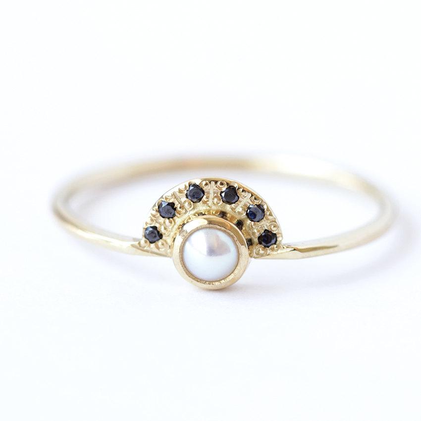 Mariage - Pearl Engagement Ring with Black Diamonds Crown - 18k Solid Gold