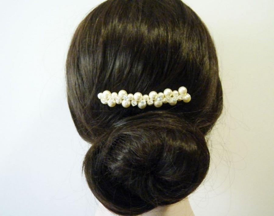 Boda - Swarovski Pearl and Crystal Cluster Hair Comb - Bridal Jewelry - Focal Piece - Bridesmaid Gift - Graduation Party - Under 30