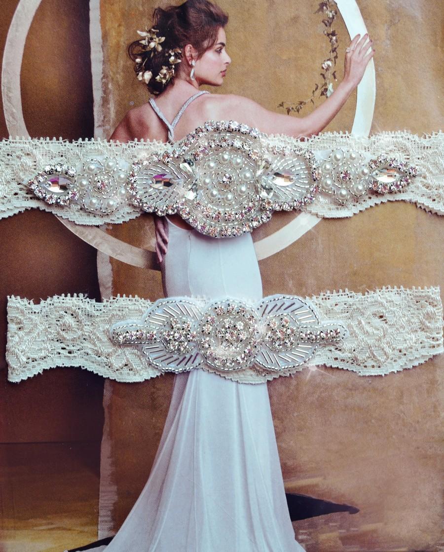 Hochzeit - Heirloom Ivory Wedding Garter, Crystal Bridal Garter Set, Vintage Inspired Wedding Stretch Lace Garter, Bridal Garter, Garter
