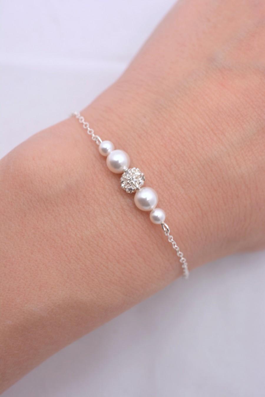 Set Of 4 Pearl And Rhinestone Bracelets