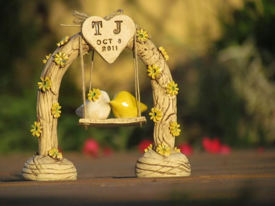 Hochzeit - Country wedding cake topper Custom love birds  Swing wedding cake topper Bird cake topper