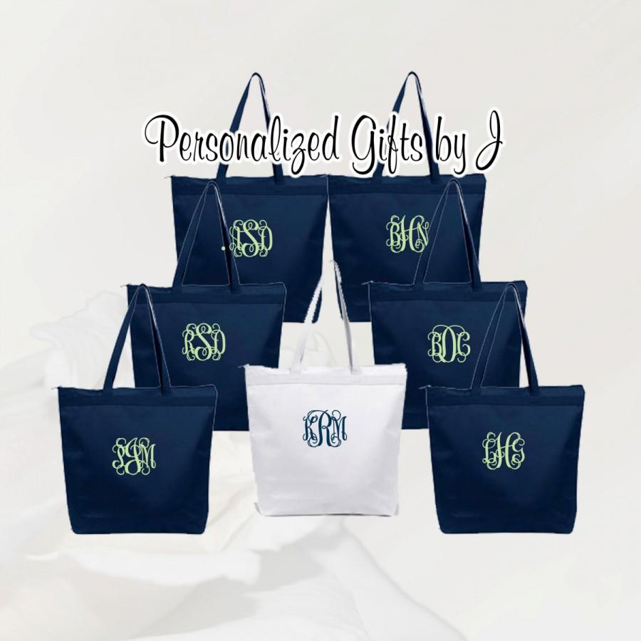 Свадьба - 10 Personalized Zippered Tote Bag Bridesmaid Gift Set of 10- Wedding Party Gift- Bridal Party Gift- Initial Tote- Mother of the Bride Gift