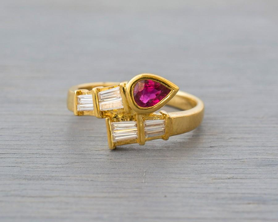 Unusual Ruby Wedding Gifts: Vintage 18k Yellow Gold, Red Ruby Diamond Ring