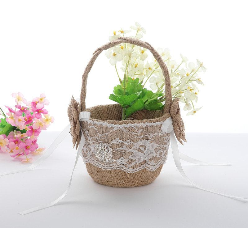 Mariage - Burlap Flower Girl Basket, Wedding Baskets, Burlap Weddding Baskets, Lace Flower Girl Basket, Rustic Wedding Decor